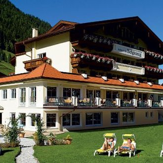 Activehotel BergKönig 4*  (Neustift, 1.000  m)